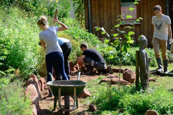 stage les secrets d 39 un jardin monastique soin des plantes m ditation mai 2015 zen. Black Bedroom Furniture Sets. Home Design Ideas